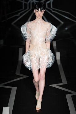 Iris Van Herpen haute couture spring 2017