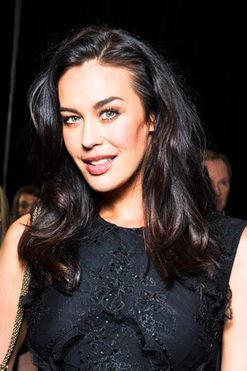 Megan Gale's green smoothie recipe and tips for buying swimwear