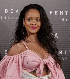 Rihanna trolls beauty line for attempting to troll her foundation shades