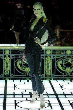Atelier Versace haute couture spring 2013 runway