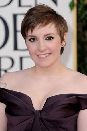 Lena Dunham watches The New Girl
