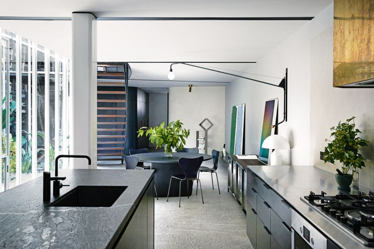 Watch tour a modern melbourne apartment by fiona lynch for Apartment design melbourne