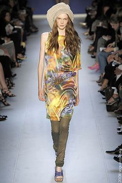 Moschino Cheap & Chic Ready-to-Wear Spring/Summer 2009