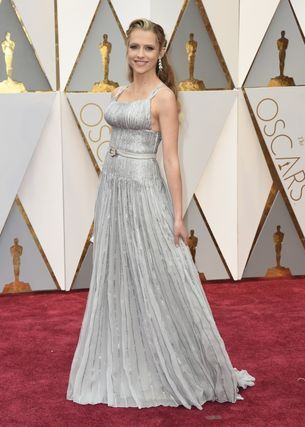 Oscars 2017: Teresa Palmer is wearing Prada