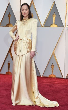 Oscars 2017 red carpet: Dakota Johnson is wearing Gucci
