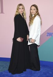 This is what everyone is wearing on the CFDA Awards red carpet