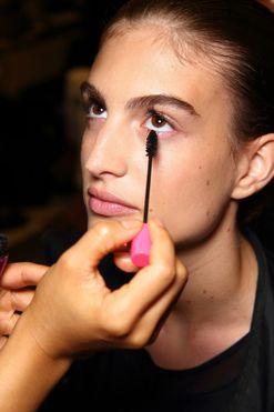 These magic mascara tricks will make you look more awake