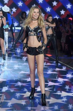 Two Australian models confirmed for the 2016 Victoria's Secret show
