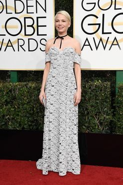 Golden Globes 2017 fashion: Michelle Williams wears Louis Vuitton