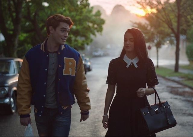 Are Riverdale's Veronica and Archie dating in real life?