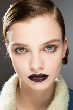 The dark lip is back, so here's what you need to know if you want to wear it