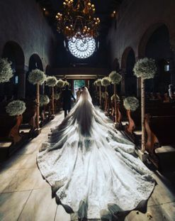 Swarovski wedding: this is what a $1.3 million wedding dress looks like