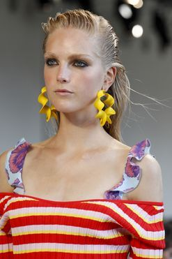 The statement earring is back in a big way, so here's how to wear it