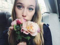 Photos: Alycia Debnam-Carey does New York Fashion Week for the first time