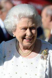 Queen Elizabeth sparkles in France