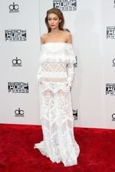 American Music Awards 2016 red carpet arrivals (photos)