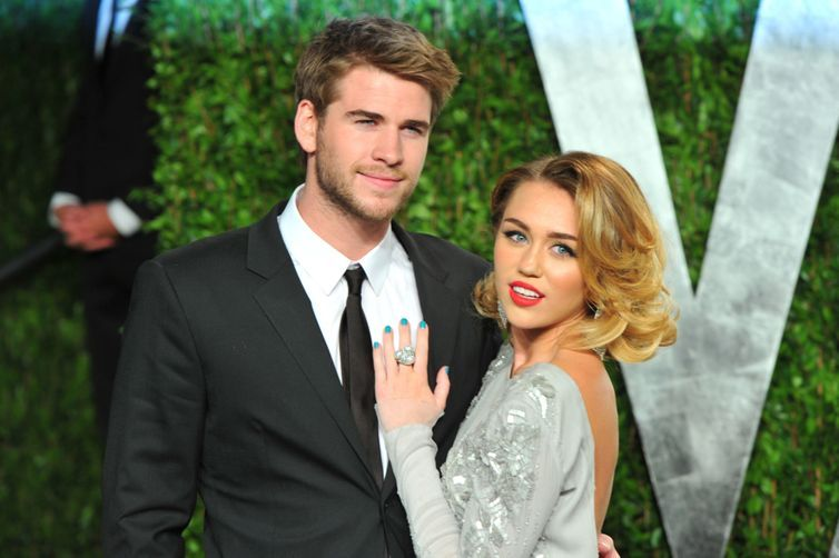 Miley Cyrus and Liam Hemsworth just sang a Justin Bieber song together