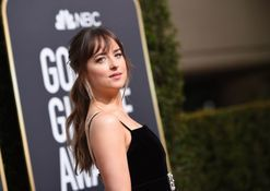 Dakota Johnson watching Angelina Jolie ignore Jennifer Aniston at the Golden Globes is everything