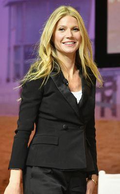 Gwyneth Paltrow has epiphany, realises nobodylikes her