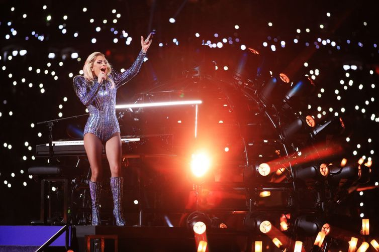 Super Bowl 2017: Lady Gaga wears Versace during halftime performance