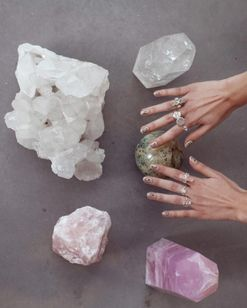 There is a correct way to use crystals: an expert tells us how