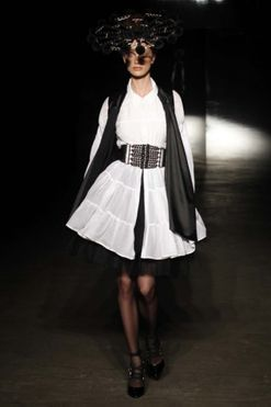 Gail Sorronda Ready-to-Wear Spring/Summer 2010/11
