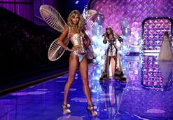 Karlie Kloss's best ever Victoria's Secret runway moments