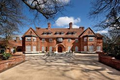 Inside the North London rental mansion frequented by celebrities
