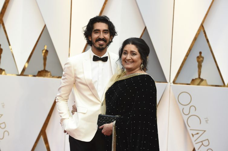 Dev Patel's mother is the happiest person at the Oscars