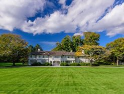 Inside Jackie Kennedy's Hamptons estate